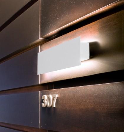 Aplique de pared LED moderno en acero blanco - Suau - Pujol Iluminación