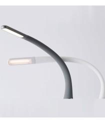 Lámpara de mesa de metal LED regulable en intensidad con enchufe para USB en 2 acabados 3000K – Greta – Faro