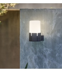 Urban style wall lamp available in dark grey and white – Tram – Faro