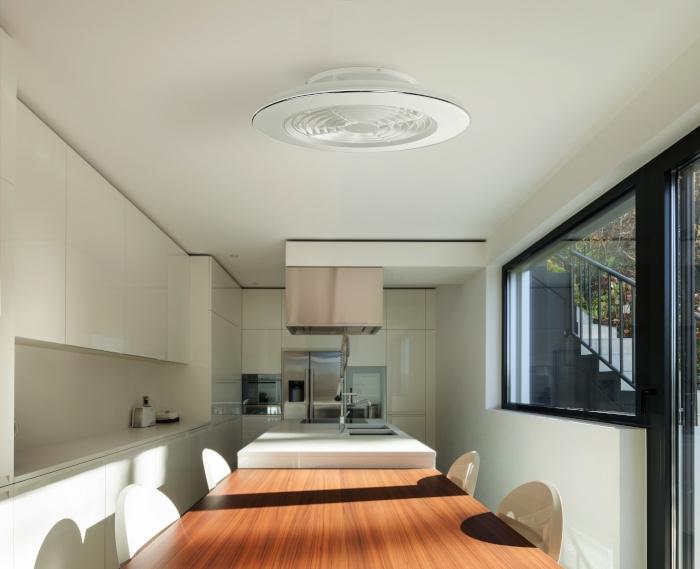 Plafón de techo para cocina con ventilador de Mantra