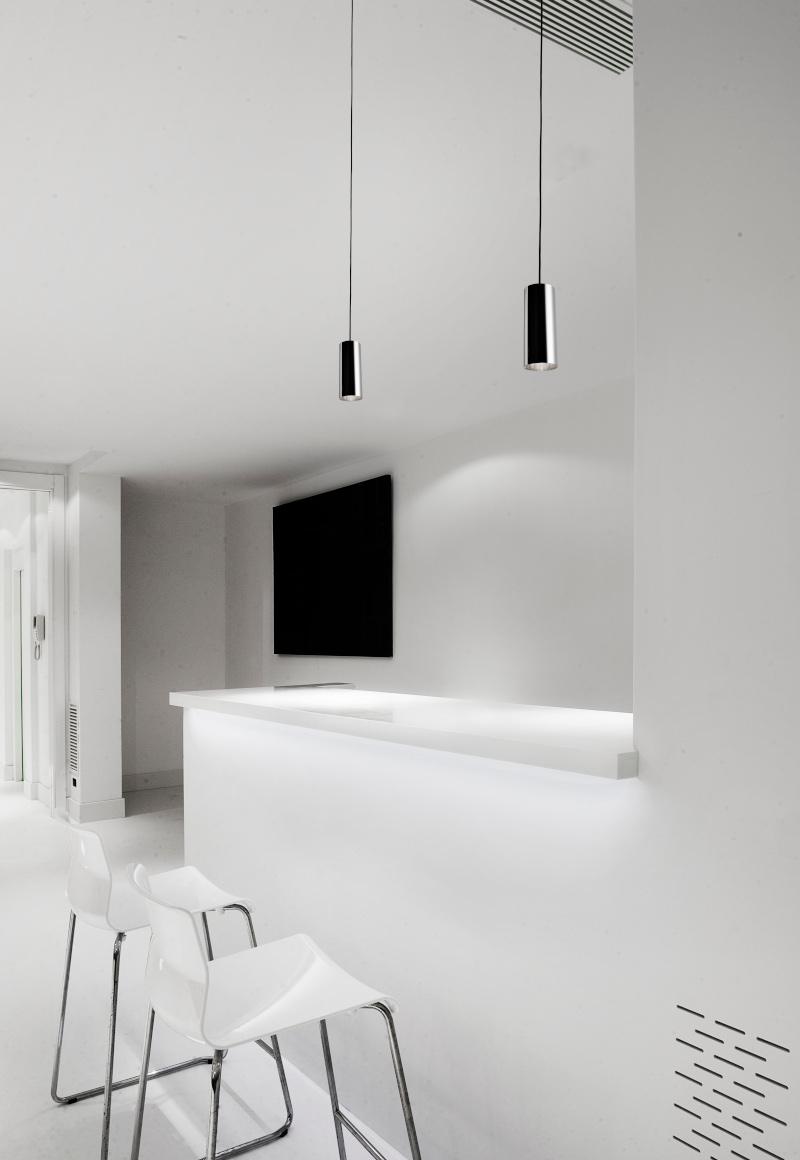 Basic - lámpara moderna tipo tubo colgante para cocina de Pujol Iluminación