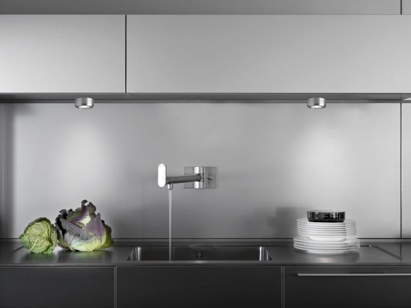 Cuina - lámpara plafón para muebles de cocina de Pujol Iluminación